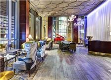 Varia Wolf Lounge