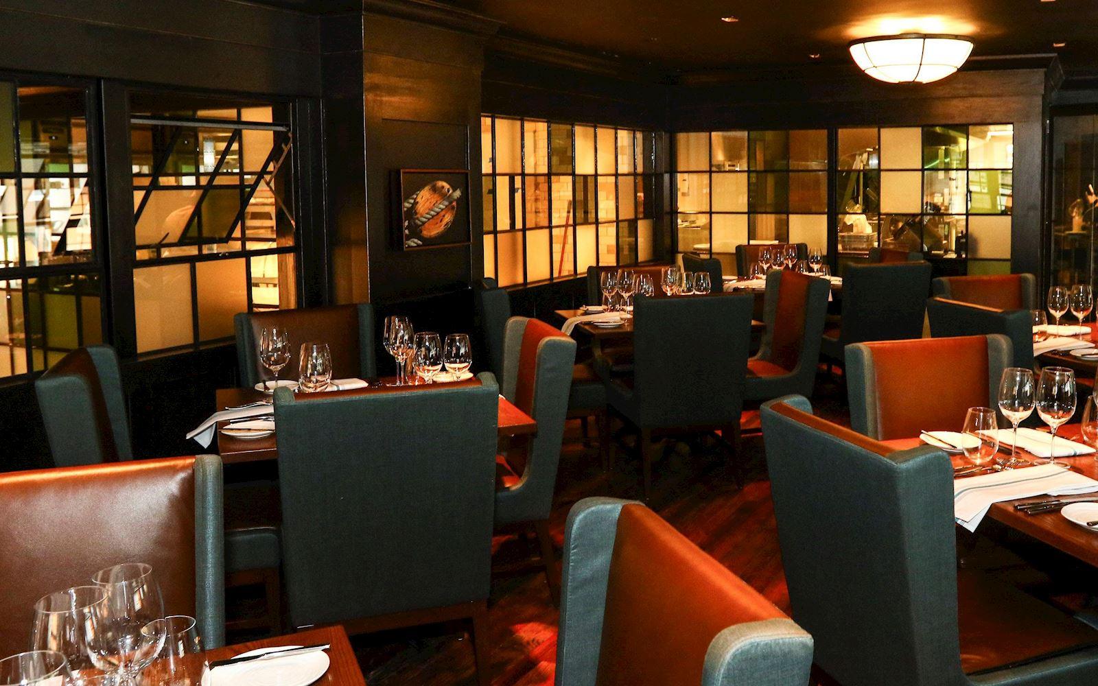 new take on norfolk seafood restaurants - hilton norfolk the main