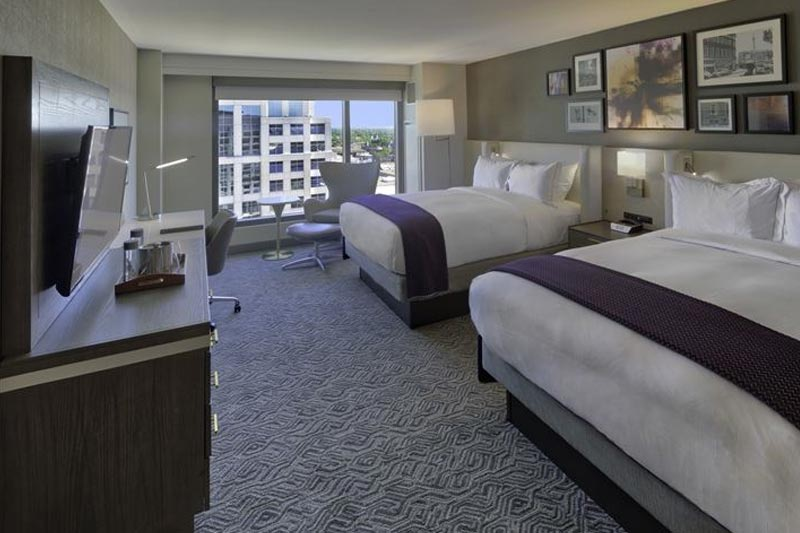 2 Queen Beds Hilton Norfolk The Main