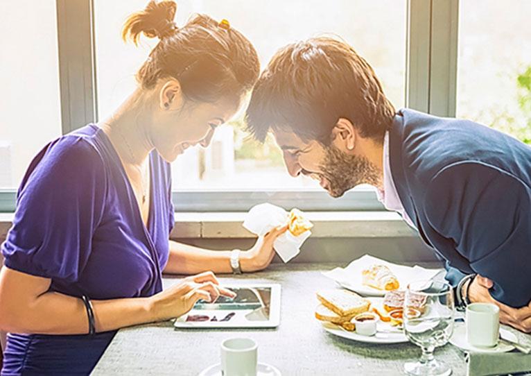 Breakfast & Wi-Fi at Norfolk Hotel